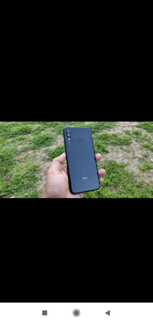 срочно по смешной цене продаю редми 7 оперативная память 2гб внутренняя память 16гб камера 8мр фронтальная 3мр версия андроид 9 отпечаток пальца 3G 4G 2-сим новый телефон все документы все отлично работает обмен не интересен