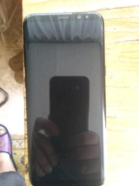 Продаю самсунг с8+, в нормальном состоянии, задняя крышка только треснута. А так сам телефон работает нормально, не тупит не глючит. Без доков , забыл в магадане. Должны выслать посылкой, чехол стекло там же. Телефон не краденный, могу расписку написать если надо продаю т.к нужеы деньги. Звоните пишите в ват сапе. Или по номеру +79644555781