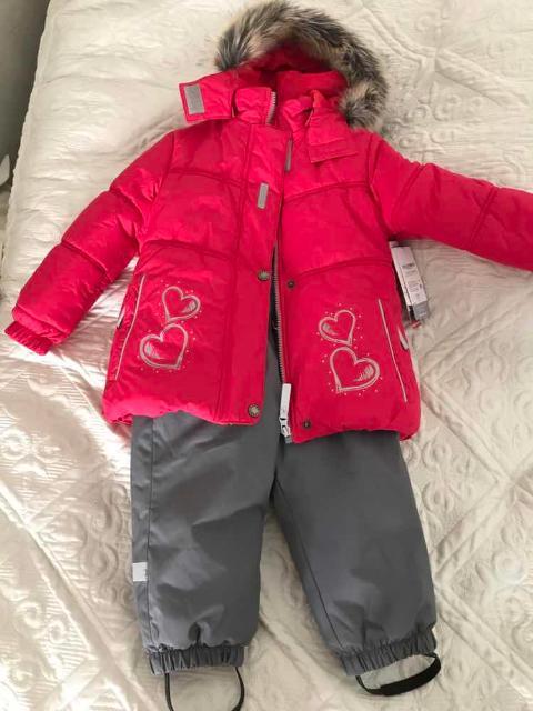 Зимний костюм новый с бирками, для девочки, костюм качественный производитесь Финляндия. возможен торг, Покупали за 10999руб. Продаю т.к. подарили ещё один.