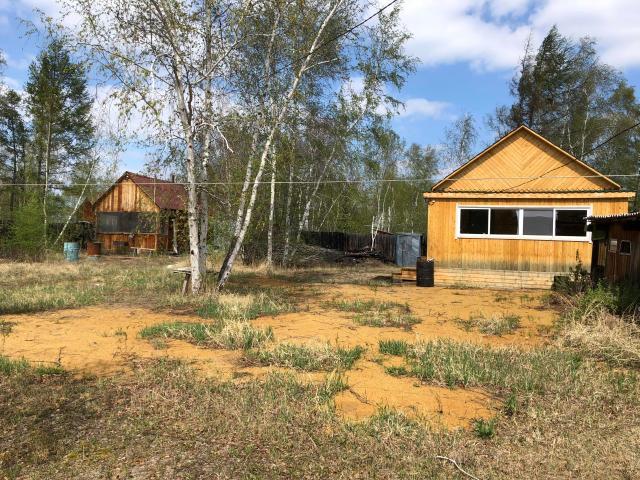 Продаю дачу маганский тракт 9 км , 9 соток , новый брусовый дом, летний водопровод , гараж , баня, хоз постройки .