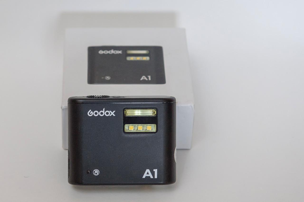 cc71d40a815c3 Godox A1 – внешняя вспышка для смартфона.