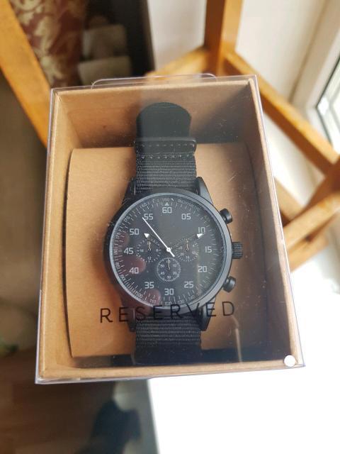 Продаю новые часы Reserved, невскрывал