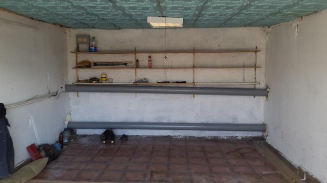 Продаю теплый панельный гараж в   ГСПК «Комета»  район призывной пункт оформлен в собственность без за должностей, без электричества.  цена: 500т.р торг.