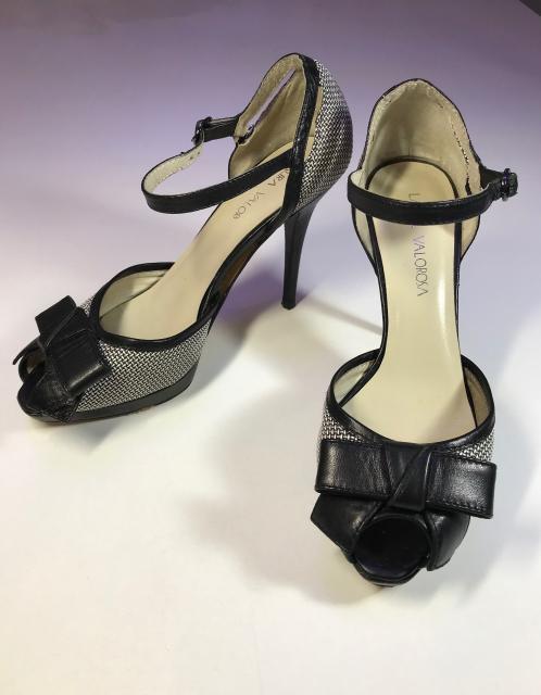 Бренд женской обуви Laura Valorosa - 35 размер.  Нужен ремонт. На фото все показано.