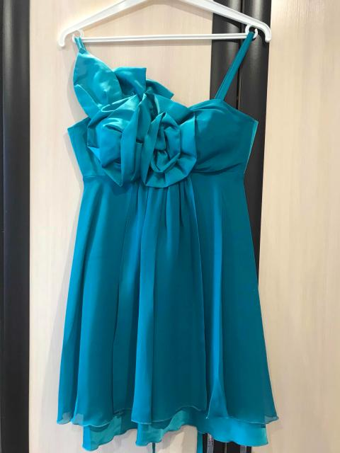 Продаю коктейльное платье мини👗 размер 42-44