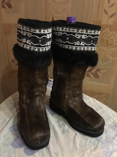 Размер36 на полные ноги, ступни,пятки. Пошив был в Якутскобуви. Подьем высокий. Обували один раз. Не подошли из-за размера полноты . Торг уместен.