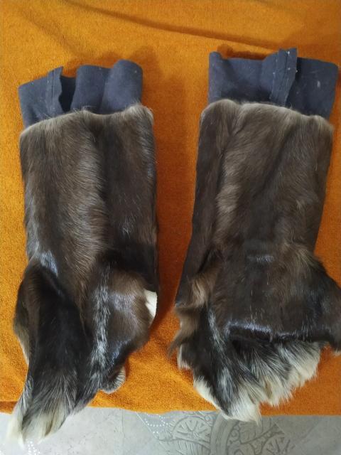 Продаю заготовку женских унтов из домашнего оленя цвет черный состояние отличное размер 37