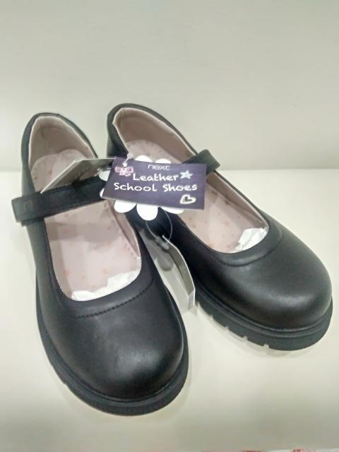 Новые кожаные туфли для девочек в школу 30.5 размер фирмы next