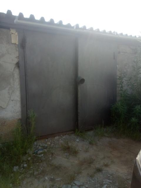 Продам 2 гаража, земля и строение в собственности, первый находится Кузмина 29г цена 550000, второй Мордвинова 38 цена 500000, адреса соответствуют 2гис.