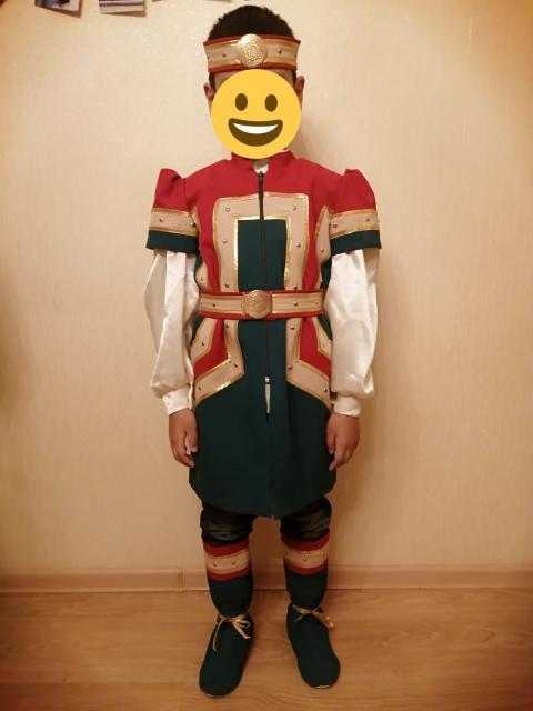 """Продаю национальный """"Саха"""" костюм мальчика на 8-9 лет."""