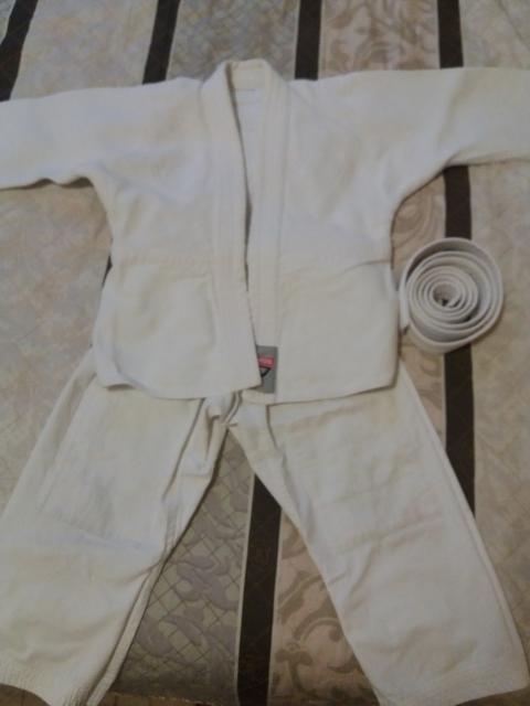 Продаю кимоно. 116р. Состояние хорошее