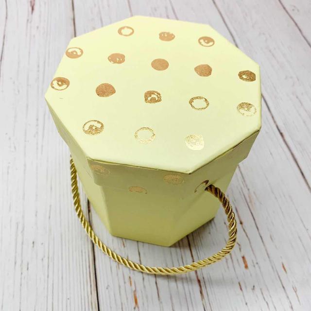 Новая подарочная коробка 📦 размером 11 на 11 Возможно исполнение с наполнителем  Возможна доставка по городу 📦