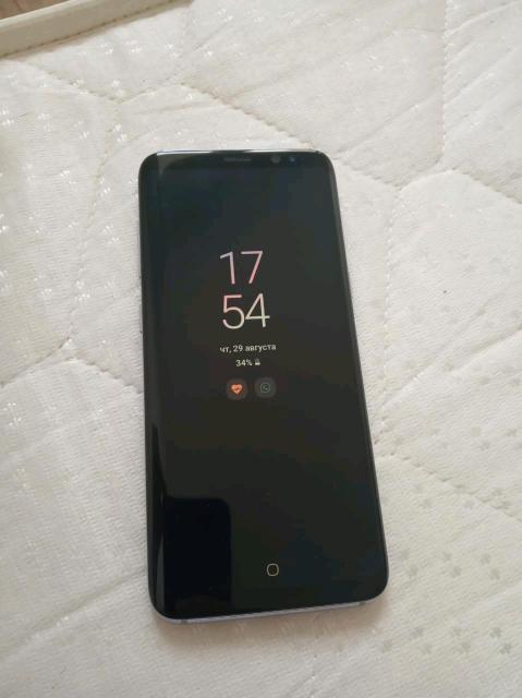Продаю смартфон Samsung Galaxy s8, весь комплект, в подарок чехлы