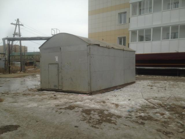 Срочно. Продается утепленный перевозной (на петлях, лыжи) металлический гараж с местом. Электрика вся проведена. Конвектор. Полки. Чердак на всю крышу, вход изнутри. Параметры 6х4х2.30 (ДхШхВ).