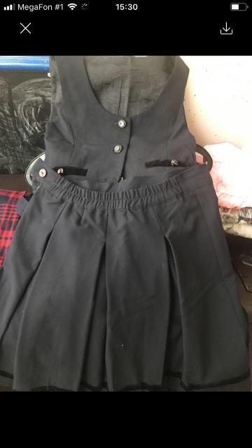 Продаю школьную форму,юбка с жилетом на рост 158-400 руб Сарафан на рост 116-122-500 руб Все в идеальном состоянии