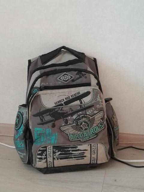 Продаю школьный рюкзак для мальчика покупали за 3000 в акварели