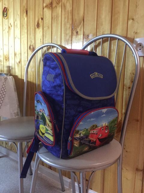 Продаю школьный рюкзак за 800 руб. т. 8-914-820-48-48