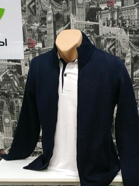 """Турецкий свитер на замке, темно синего цвета, подойдет любому возрасту, размеры от 46-52, ТЦ Этажи(ост. Крестьян рынок) , магазин """" Мах """", павильон 21,этаж 4"""