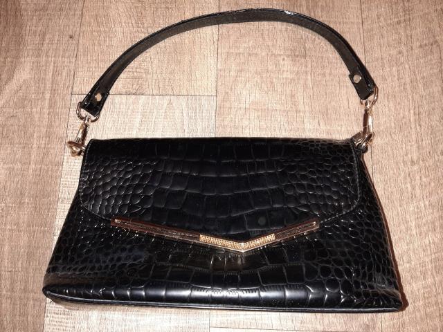 Женская сумка новая кожанная. Никаких повреждение и царапин. Кожа плотная.  + сумка летняя новая