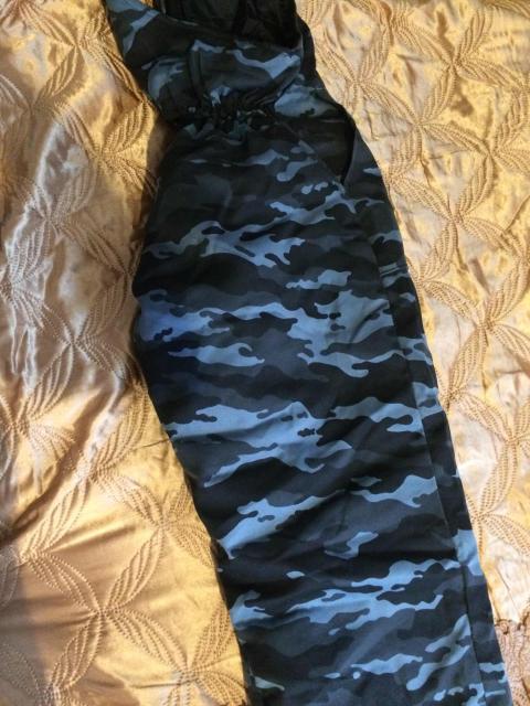 Зимний комбинезон 52-54 размера , состояние хорошая