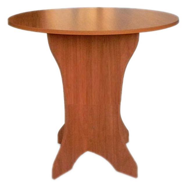 Для небольшой кухни, удобный, занимает мало места. Состояние хорошее. Возможна доставка.  Высота ножки: 72 см. Диаметр стола: 100 см.