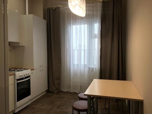 Сдаётся 1 комнатная, новая квартира по улице Автодорожная 13/1 корпус 3. Желательно чистоплотной семье. В месяц-25 тыс . 89644217566