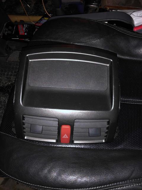 Продам центральную панель с аварейкой от т-аирус 151 кузов контракт цена 2500рб к/т 89992447152