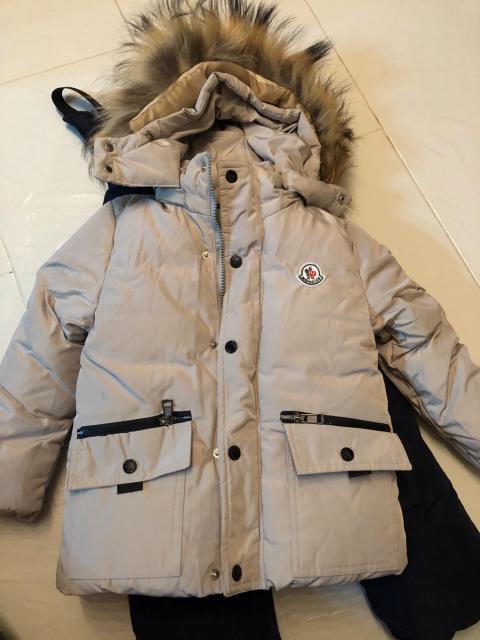 Продаю два новых зимних детских комплекта (куртка, комбинезон). Рост 98-104. Цена за каждый комплект