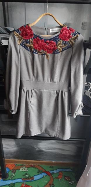 Продаю женские платья, дизайнер Ульяна Сергиенко, 44 размер, одевала пару раз на выход. Цена 500 р за платье.