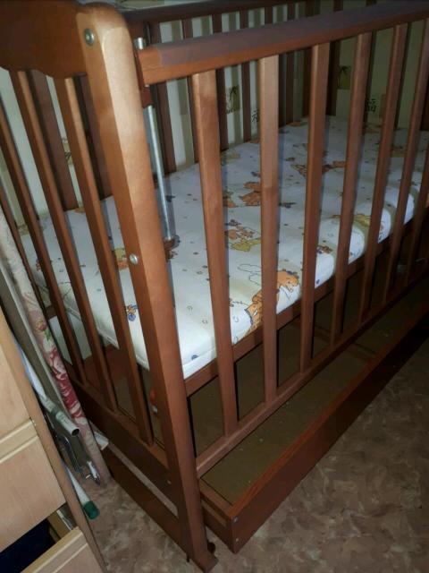 Детская кроватка с ящиком пенал