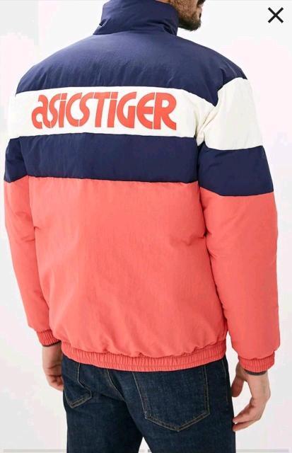 Срочно в эти дни пуховик asics tiger носил пару раз размер  М зимний