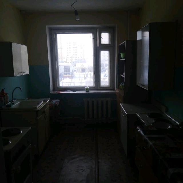 Продаю две комнаты в общежитии по срочной цене. Торг на месте  10 и 12 кв.м и отдельный с/у