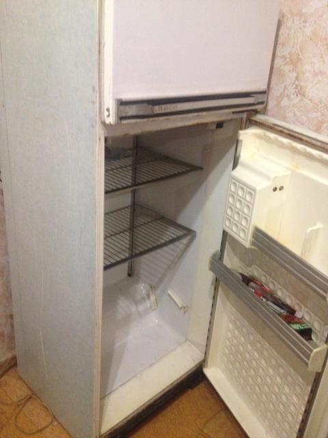 продаю холодильник в хорошем рабочем состоянии!самовывоз