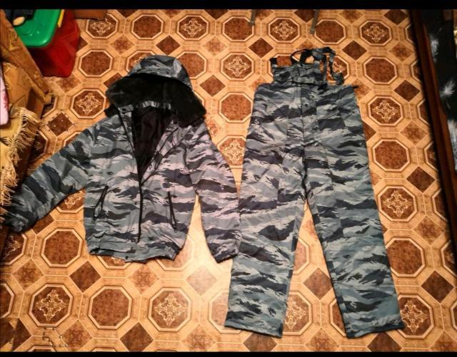 Продаю зимний комплект куртка ватники, в хорошем состояний, куртка 52 размер, ватники размер отрезал не помню, продаю от без надобности