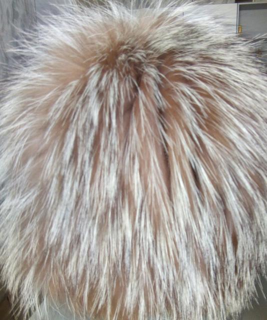Продаю шапка парик. б/у 1500. 89644215731.