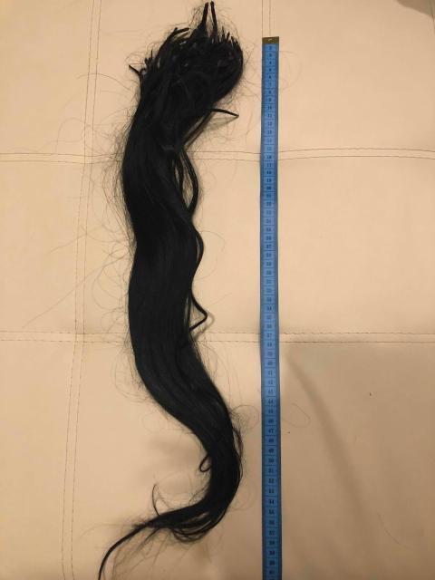 Продам волосы около 60 см, б/у 2 раза, нужна перекапсуляция, капсул около 170