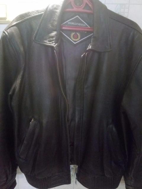 Продам куртку мужскую натуральная кожа, демисезонняя,б/у, в отличном состоянии, размер 50-52.
