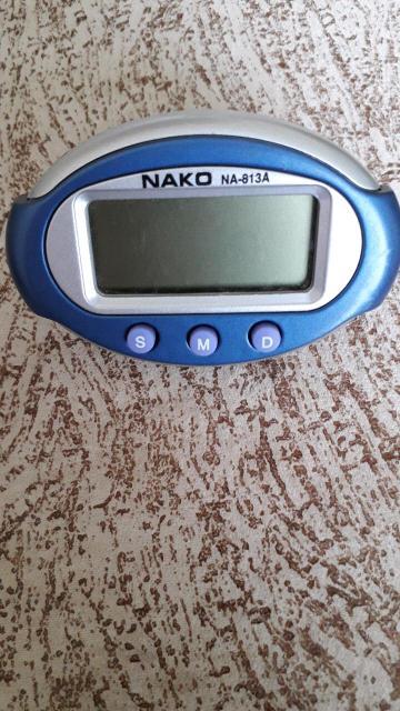 Часы электронные .Размер 4,5×7,5см. Без батарейки, но в раб.сост.
