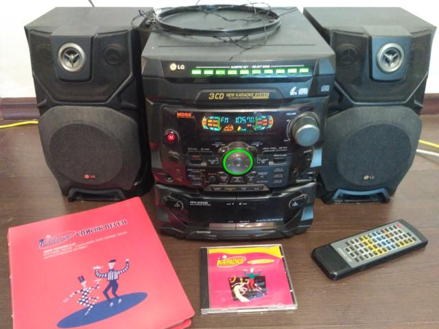 Продаю музыкальный центр: радио, караоке, CD, аудиокассеты. FFH-2000K Звоните до 22ч. WhatsApp читаю не сразу.