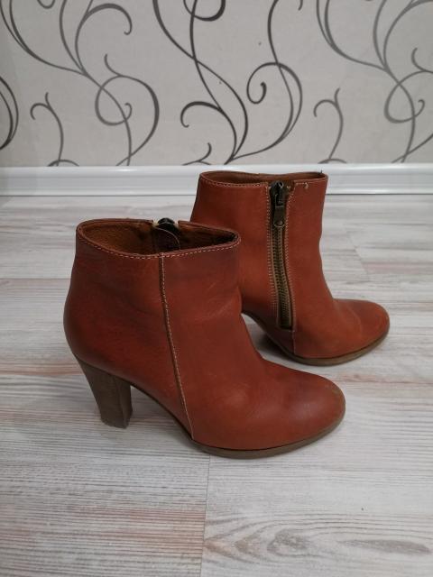 Обувь б/у, в хорошем состоянии, размеры: 1.р. 37 2.р. 35-36 3и4. р. 35-36 5и6 р. 37 все натуральная кожа