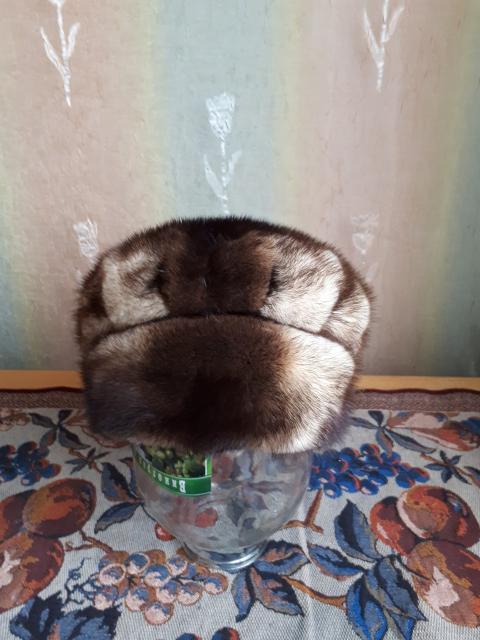 Продаю женскую норковую шапку в отличном состоянии! Размер 56. Торг!