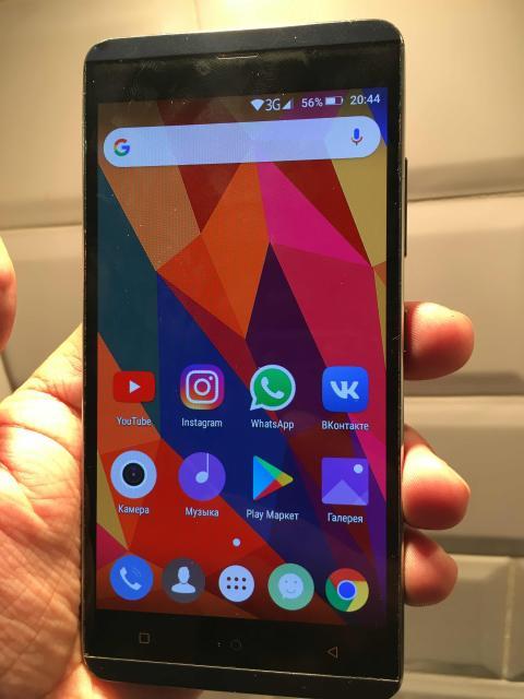 Продаю телефон с большим AMOLED экраном 5.5 дюймов без трещин, 4G, 2 симки, 8 ядер, ОЗУ 2 гб, память 16 гб, камера 13 мп, андроид 5.1, батарея на 3150 мАч, type-c, без док и без з/у, могу доставить.