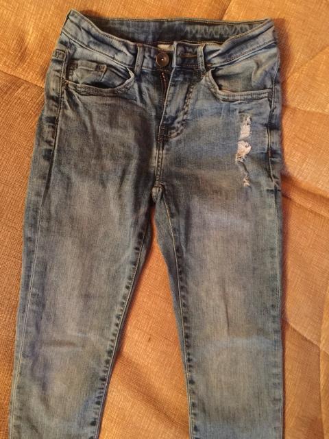 Продаю джинсы рост 134