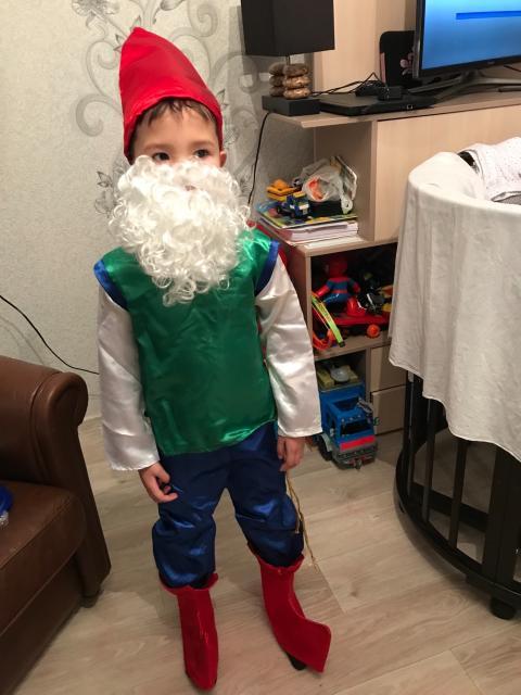 Продаю костюм гнома , 4-6 лет