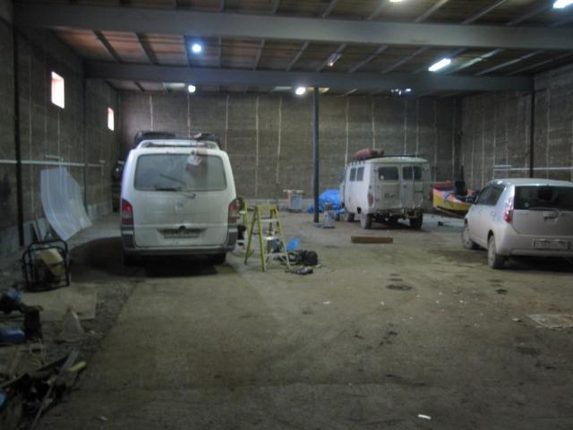 ДЁШЕВО РАЙОН ГАЗПРОМА  конечька 4   тёплый гараж на охраняемой частной территории на газпроме  конечка четвёрки  , магазин у мосточка . хороший подъезд , ворота 4.2 метра .