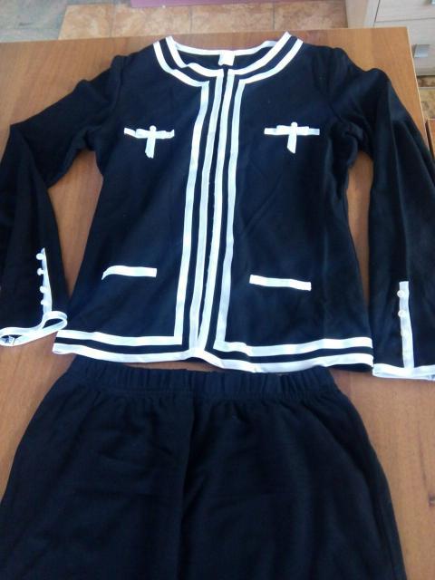 Костюм жакет с юбкой, размер 42, тонкий трикотаж, производство Польша, цвет черный с белой окантовкой