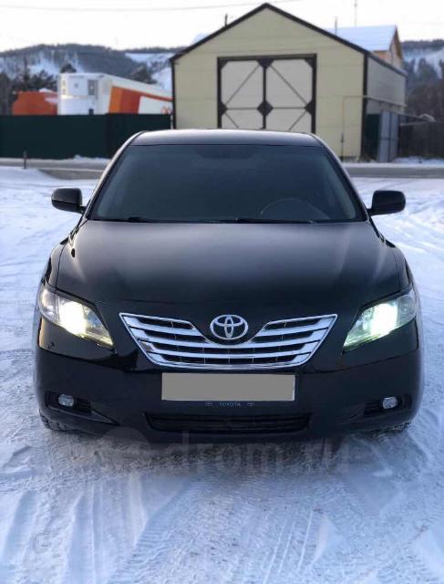 СРОЧНО Продаю Черный Toyota Camry 3,5 2008г.в, левый руль, стоит ГБО, чистый ухоженный салон кожаный, модельные чехлы. Состояние отличное, Литье на 16 на контрактной зимней резине. цена на неделю. не большой ТОРГ у капота.