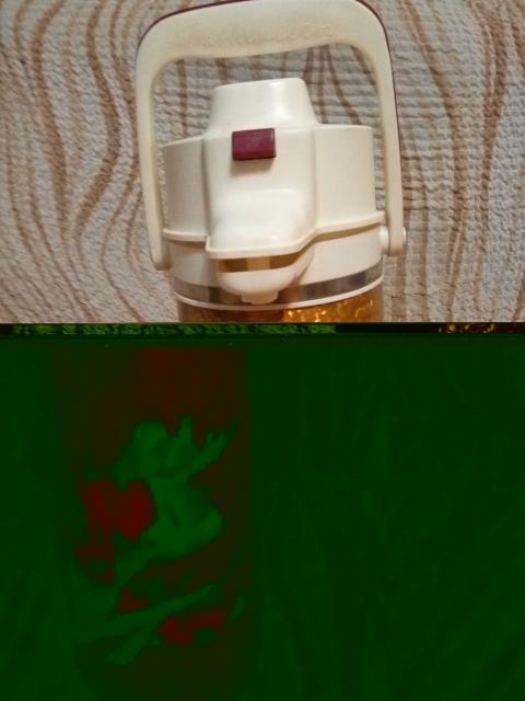 Термос 3-х литровый с пневмопомпой, состояние совершенно новое-ни разу не использован-2 тыс.руб. Срочно. звонки.