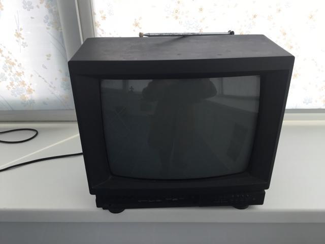Телевизор б/у Hitachi, диагональ 15 дюймов