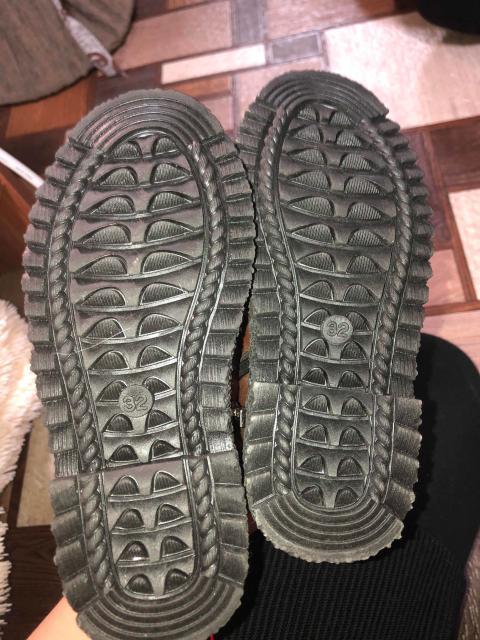 Новые ботинки Деми,ни разу не носили,размер 32